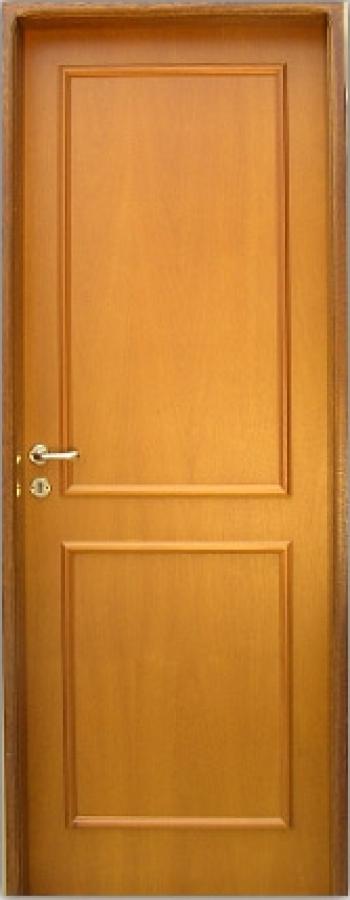F brica de aberturas placa enchapada en cedro con moldura for Fabrica de puertas de interior